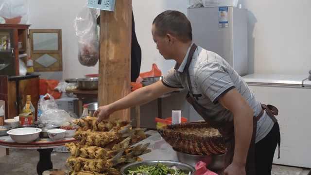 乡村大厨国庆8天接7场婚宴:最多一天60桌,收入比去年翻番