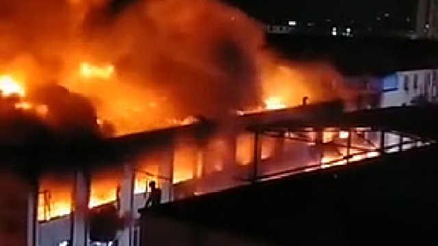 广州花都一工厂起火,未造成人员伤亡