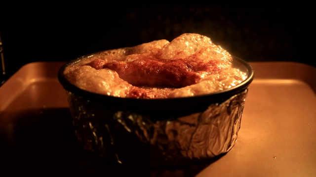 糖焗大黄:烤制过程,可以看一小时