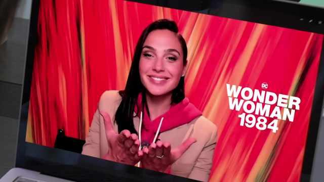「报姐Vlog」看完神奇女侠,和主演盖尔加朵加好友视频