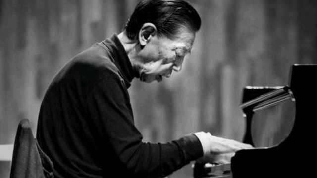 除了钢琴和音乐,傅聪还留下一本《傅雷家书》