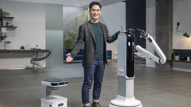 三星发布三款家用机器人,可以给你打扫房间、倒酒