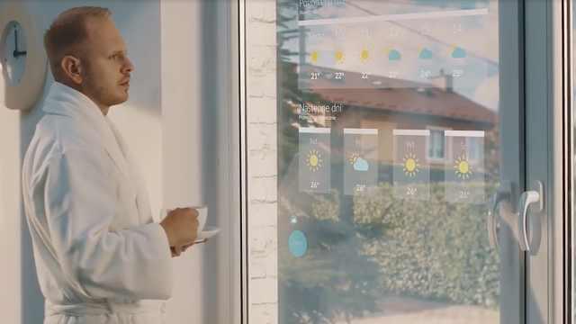 这款智能窗户,功能丰富,还自带触摸显示屏!