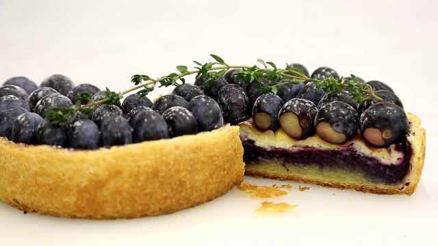 """蓝莓百里香千层布里欧修:学会折叠面皮吧,它能""""三生万物"""""""