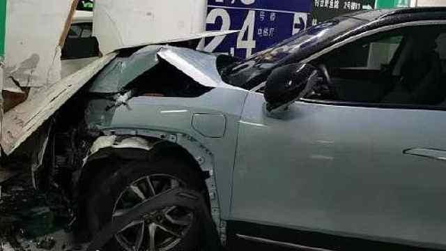 蔚来ES6失控撞墙,后台有刹车数据,车主却表示刹车失灵
