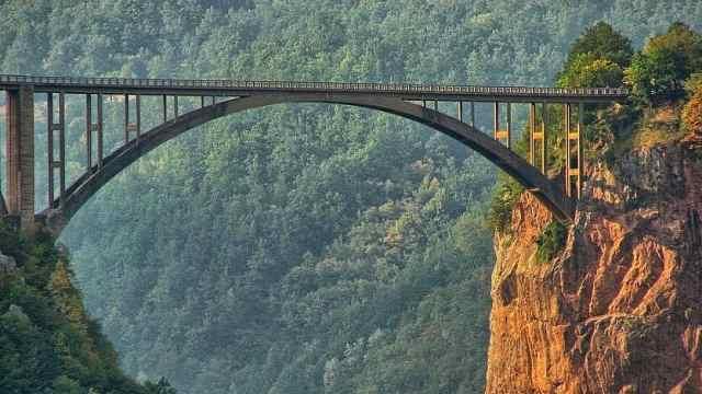 黑山五大国家公园之一——杜米托尔