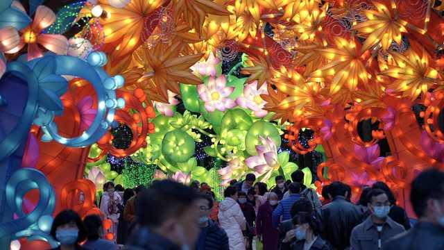 古蜀地咋样?金沙遗址博物馆造珍禽野兽草雕,搭配10万盆鲜花