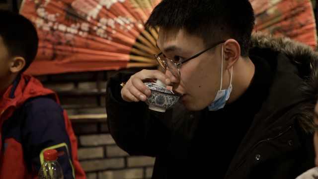 沈阳老北市再现百年奉天皮影戏,当年达官贵人看一场要花3万6