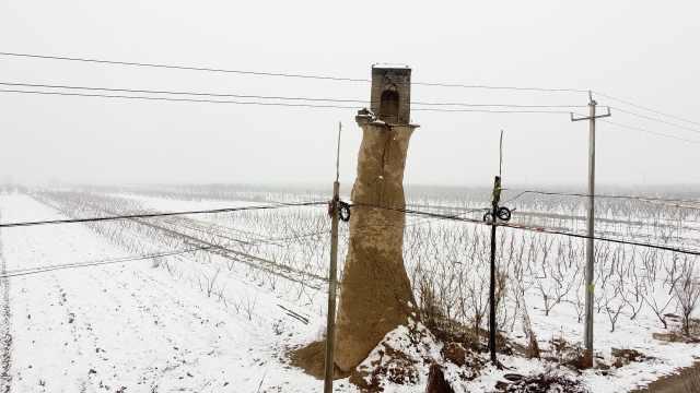 山西现一枝独秀烽火台:一柱黄土托砖楼,高出地面10多米