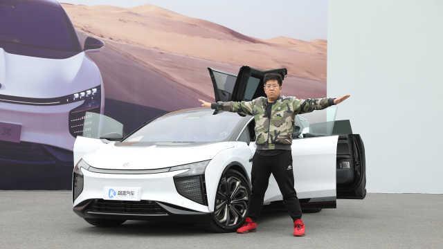 注意!这一款来自未来的车——高合HiphiX