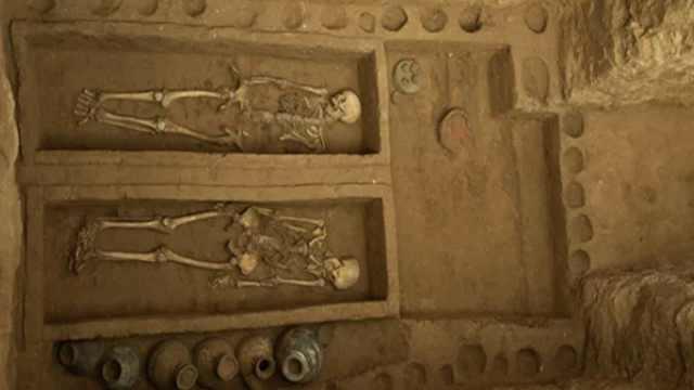 殡仪馆工地挖出战国汉代墓葬群,出土的器物不一般