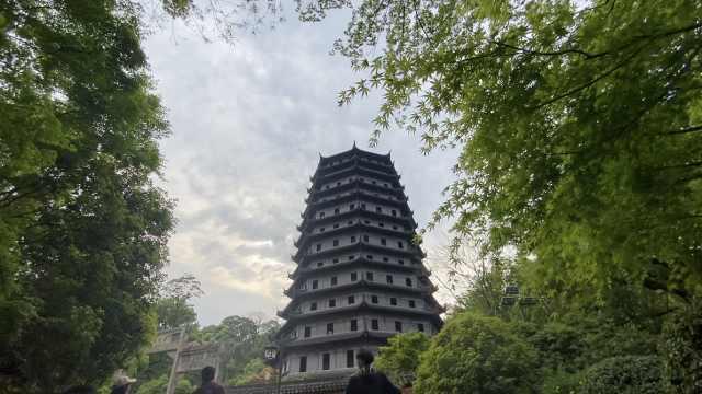 杭州千年镇潮古塔内可观钱塘江大潮,传说鲁智深留文圆寂于此