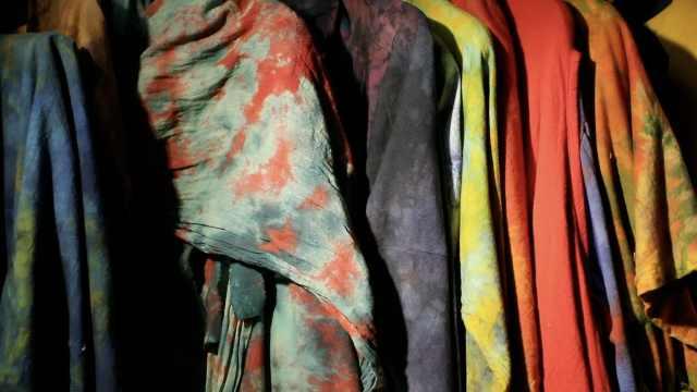 与颜色打交道20年,她用掉6万米白布传承浸染技艺