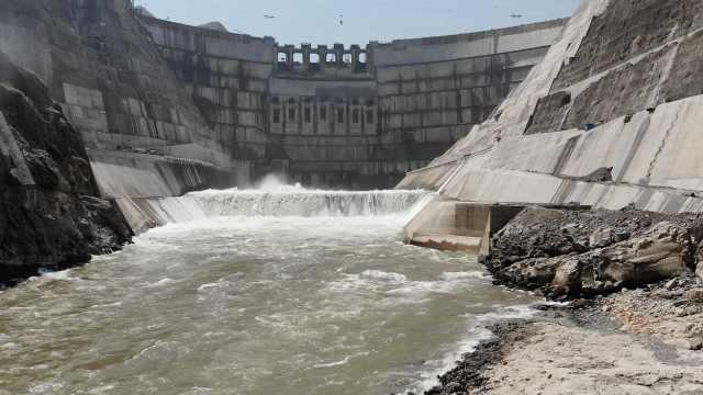 航拍世界在建最大水电站,蓄水突破720米,进入发电倒计时