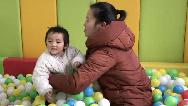 她北漂8年后回乡当养育师:陪山里孩子起跑