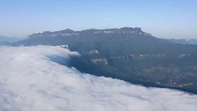 人间仙境!重庆金佛山出现绝美云瀑奇观,气象专家揭秘成因