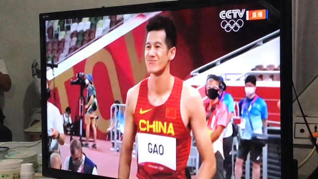 高兴龙东京奥运跳远遗憾未进决赛,妈妈:上小学曾绑沙袋练腿力