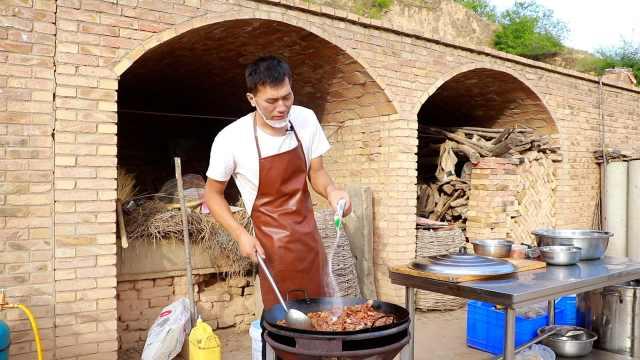 男子俩月到60个村给上千老人免费做饭:曾生病受助想回馈社会
