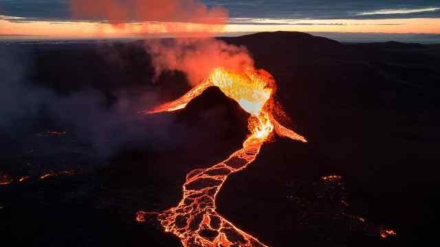 冰火之国:冰岛的活火山与黑沙滩