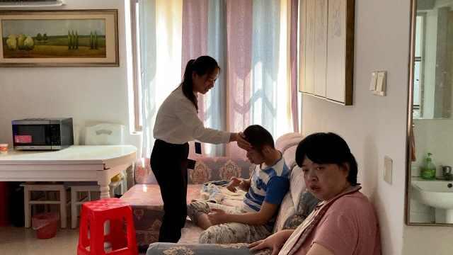 95后女孩照顾脑瘫弟弟20年:脸被抓出血,做梦都想他叫声姐