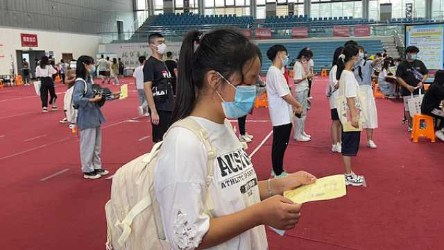 16岁女孩成中国药科大最小新生,偶像是张仲景,梦想研究新药