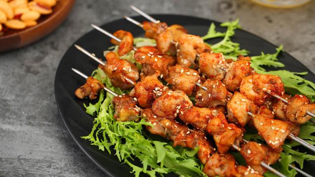 不撸串怎么过夏天?鸡肉烤串太好吃