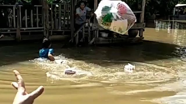 泰国发生洪灾,至少27人死亡