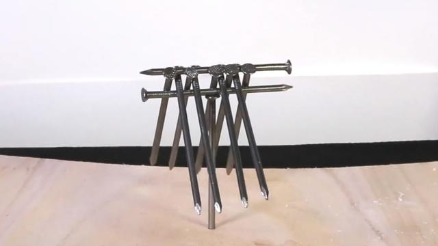 DIY钉子杂技团,玩转神奇的自平衡