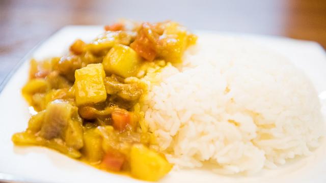 咖喱土豆鸡饭的家常做法,很美味!