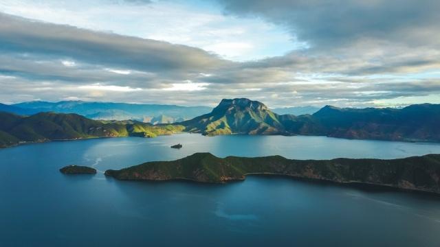纯美的泸沽湖,一生必去的十大景点