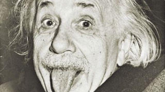 科技进化论:百年前自拍是苦瓜脸?