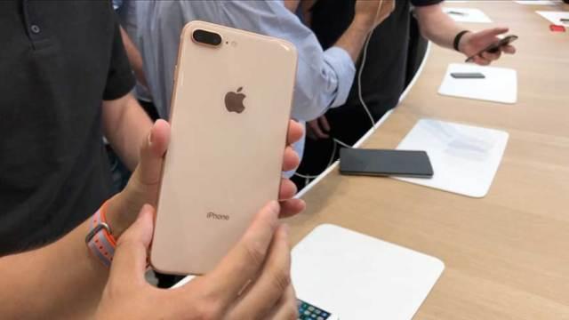苹果 iPhone 8 现场上手:超强拍照