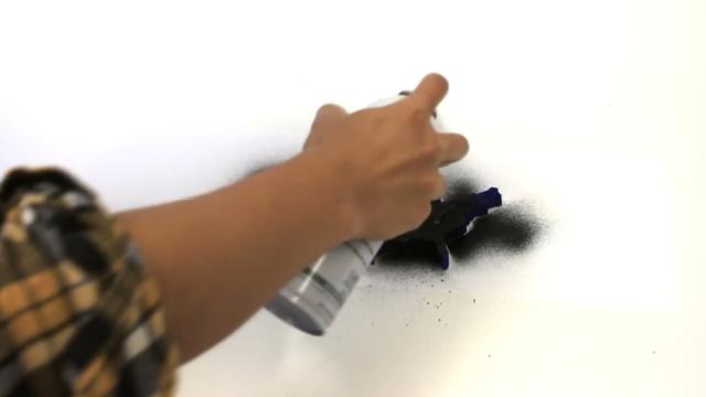 可以把任何物品都变成触摸屏的喷雾