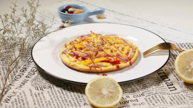 十分钟搞定美味披萨,平底锅就够了