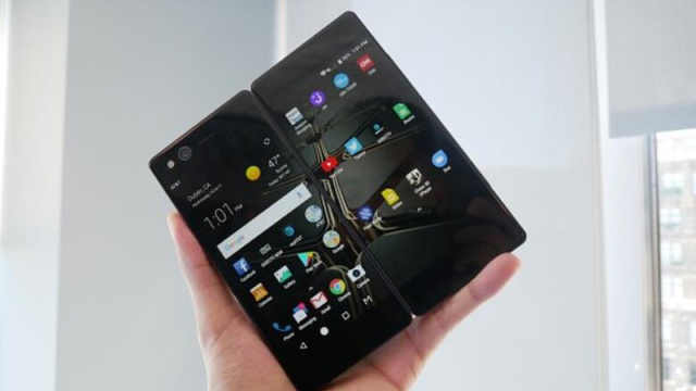 中兴发布双屏折叠手机AXON M