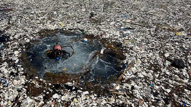 洪都拉斯附近的垃圾海洋,触目惊心