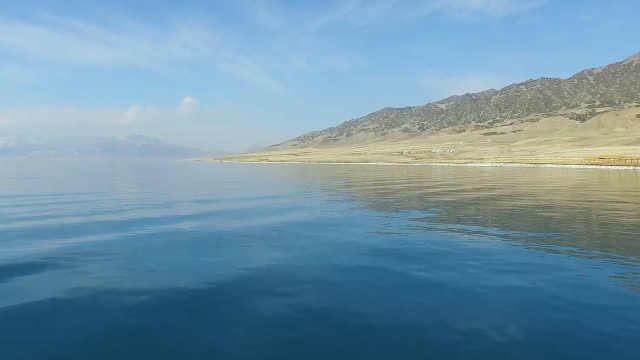 这估计是新疆最美的湖了!