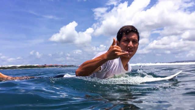 冲浪板上的才子佳人,羡煞众人!