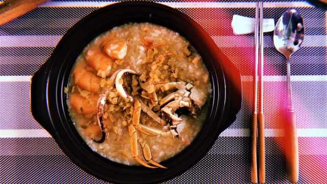 冬日,来一碗热气腾腾的海鲜粥吧