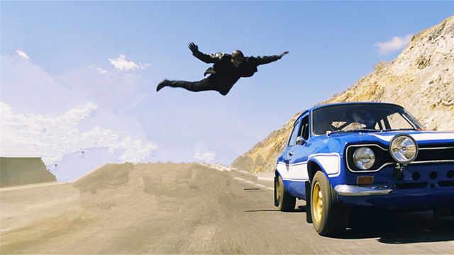 出车祸时跳车,生存几率到底多大?