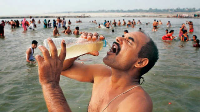 为什么印度人要喝那么脏的恒河水?