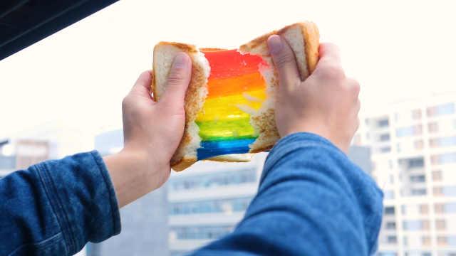 吐司还能这样做,拔出一道彩虹来