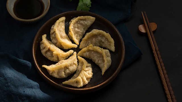 水饺煎饺吃腻了?来试试猪肉炸饺!