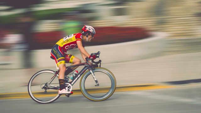 自行车和大货车的胎压是一样的吗?