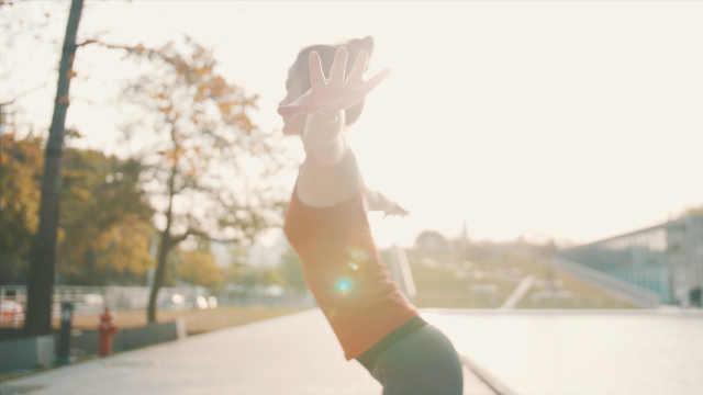 瑜伽双角式助你轻松提臀塑形