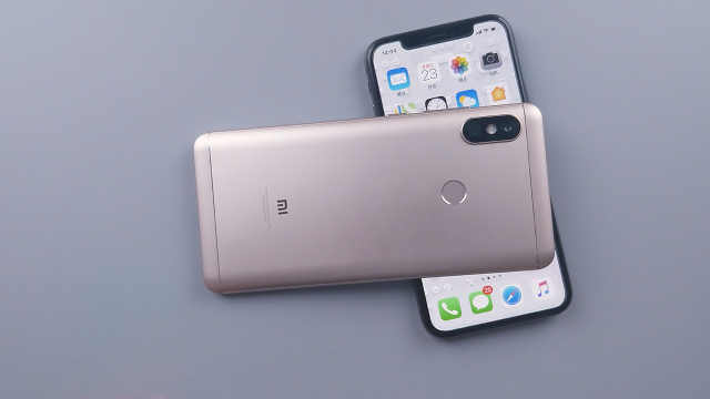 千元红米Note5真机挑战iPhone X!