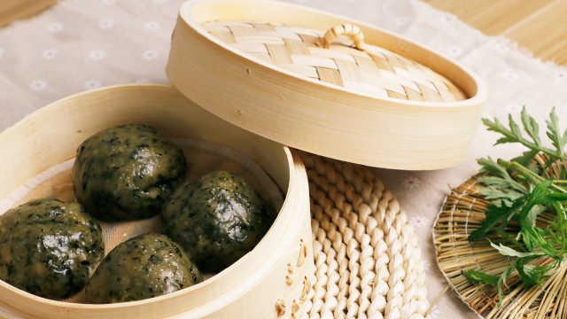 清明,中国人都爱吃软绵的艾青团子