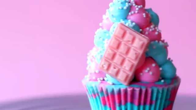 好看的彩色甜品,彩色奶油蛋糕杯