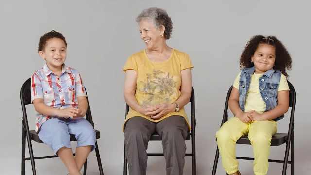 与老年痴呆症奶奶对话,萌娃聊哭了