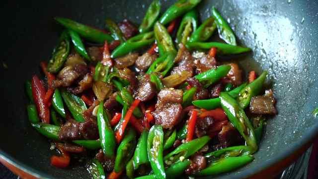 农家小炒肉的家常做法,味道太香了